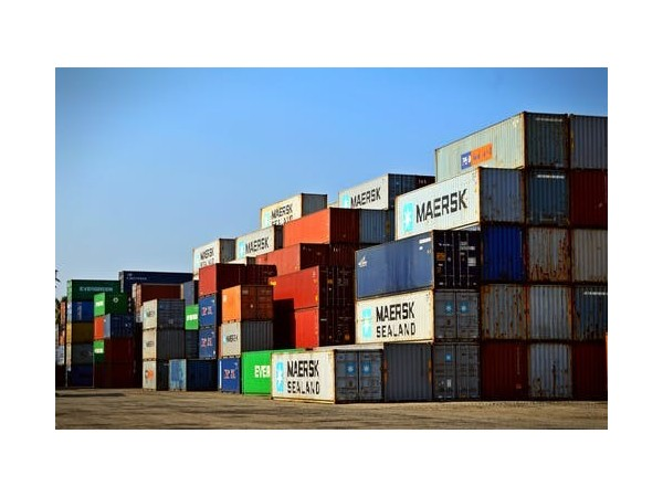 集装箱出口报关的一系列费用包含哪些成分?